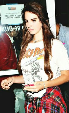 Lana Del Rey street style inspiration ACDC tshirt #LDR
