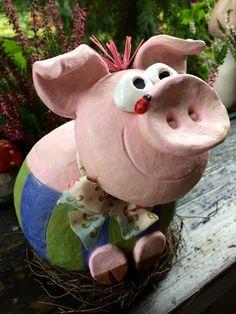 """Gartendekoration - Glücksschwein """"Rosi"""" - ein Designerstück von HolzToenchen bei DaWanda"""