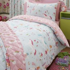 Let your little one be swept up in a fantasy filled adventure with our pretty  Unicorn and Fairy duvet cover set.