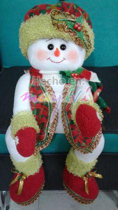 Little Christmas, Christmas Snowman, Christmas Crafts, Christmas Ornaments, Felt Christmas Decorations, Holiday Decor, Doll Patterns Free, Snowman Faces, Snowman Crafts