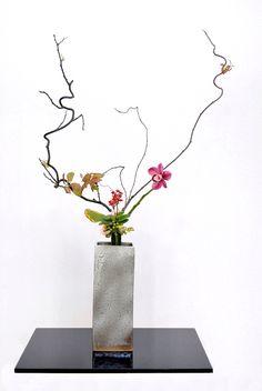 Ikebana ikenobo flower arrangement rikka shimputai by Lusy Wahyudi. Indonesia