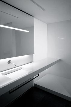 Fran Silvestre Arquitectos | Penthouse on Blasco Ibáñez Avenue, Valencia #bathroom