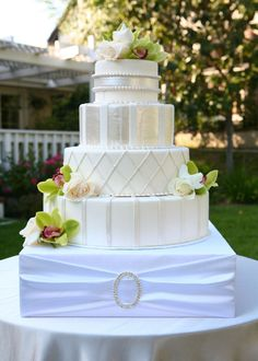 ideas wedding cake stands 1000 images about alternative cake stands on 16303