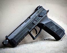 Manufacturer: CZ Mod. CZP-09 Suppressor Ready Type - Tipo: Pistol Caliber - Calibre: 9 mm Capacity - Capacidade: 19 Rounds Barrel length - Comp.Cano: 5.2 Weight - Peso: 839...