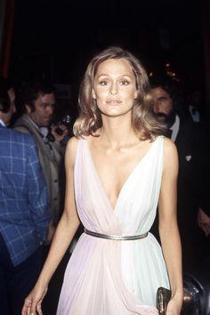 Lauren Hutton, Oscars, 1975