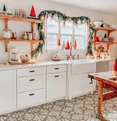 🌟Tante S!fr@ loves this📌🌟Anyone done with Christmas shopping yet? Or are you a last minute shopper like me?😩 I tell myself every year that I'm going to start… Christmas Time Is Here, Merry Little Christmas, Cozy Christmas, Retro Christmas, Christmas Holidays, Christmas Decorations, Christmas Shopping, Holiday Decorating, Christmas Ideas