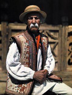Ukraine, from Iryna Art Costume, Folk Costume, Costumes, Costume Ethnique, Polished Man, Polish Folk Art, Ethnic Dress, People Of The World, Interesting Faces