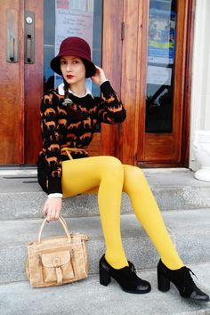 Everyday Outfits has never been so Sexy! Since the beginning of the year many girls were looking for our Trending guide and it is finally got released. Now It Is Time To Take Action! Colored Tights Outfit, Yellow Tights, Nylons, In Pantyhose, Fashion Tights, Fashion Outfits, Fashion Trends, Woman Outfits, Costumes