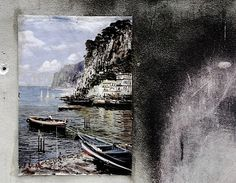 Il mare non bagna Napoli (The bay is not Naples) - a picture in front of a Napoli home