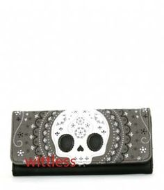loungefly lace sugar skull wallet. unfortunately, it is not as functional as i would hope for it to be