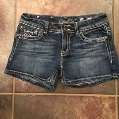 Miss Me shorts. Excellent Condition. Sexy Stylish MISS ME Jeans. Excellent like New condition.  Size 30.  ❤️❤️❤️ these!!! Miss Me Shorts Jean Shorts