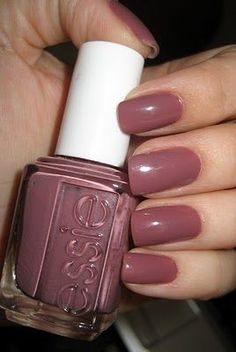 """Essie """"Island Hopping"""" -- great color for Soft Summer- i this this is a good color for a warm autumn Love Nails, How To Do Nails, Pretty Nails, Fun Nails, Gorgeous Nails, Essie Nail Polish, Nail Polish Colors, Essie Colors, Nail Polishes"""