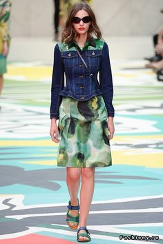 51c20820529f London Fashion Week Day 4 Burberry Prorsum Spring Summer 2015 Ready to wear  15 September 2014