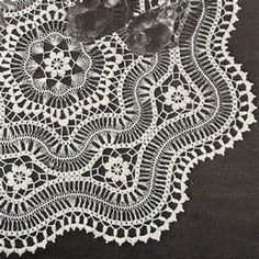 Hairpin Lace Centerpiece Doily