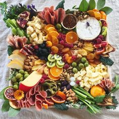 Fruit and Charcuterie Board recipe by Fig and Honey Plateau Charcuterie, Charcuterie And Cheese Board, Charcuterie Platter, Charcuterie Ideas, Cheese Boards, Popcorn Recipes, Party Food Platters, Cheese Platters, Snacks