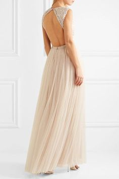 Ecru chiffon and tulle Concealed hook and zip fastening at back 100% nylon; lining: 100% polyester Dry clean