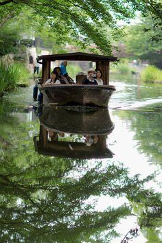 Boating in Omihachiman, Shiga, Japan | Takae Tujimoto 近江八幡