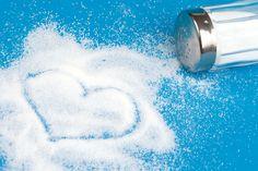 Crea uno spray salato utilizzando della soda e un cucchiaino di sale marino