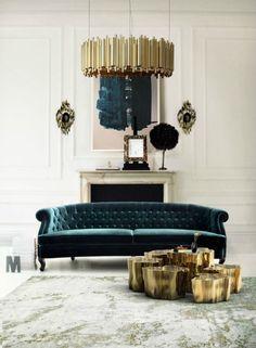 Lavish velvet chesterfield sofa in the center of living room @pattonmelo