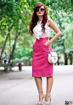 Acum, cât încă e Septembrie (Thrill of the heel) Pink Leather Skirt, Leather Skirts, Big Skirts, Pink Outfits, Work Attire, Vintage Looks, Dress To Impress, Dress Skirt, What To Wear