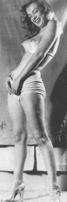 Marilyn Monroe by Earl Moran, c. 1946.