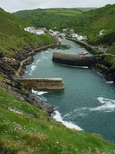 Boscastle, North Cornwall by jacquemart, via Flickr ... #cornwall hotel deals http://holipal.com/hotels/