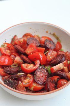 Chorizo, Happy Foods, Spanish Food, Pot Roast, Barbecue, Salad Recipes, Sausage, Food And Drink, Veggies