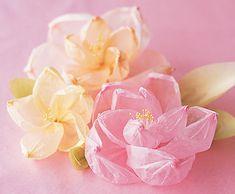 Цветы из папиросной бумаги своими руками