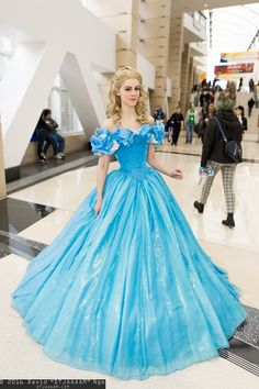 Cinderella cosplay by Lucioles C2E2 2016, Photo by DTJAAAAM