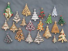 21 PC Vintage Estate Rhinestone Enamel Christmas Tree Brooch Pin Lot