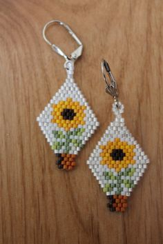 Sunflower Earrings Handmade using Delica Seed by SeedBeadingByRGR