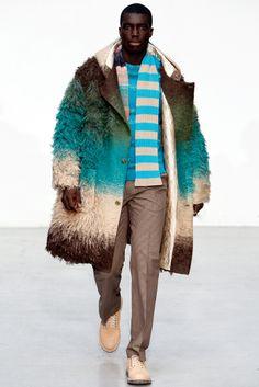 Walter Van Beirendonck Fall 2011 Menswear Fashion Show Dolly Fashion, Live Fashion, Fashion Art, Fashion Show, Mens Fashion, Fashion Design, Paris Fashion, Mens Leather Coats, Walter Van Beirendonck