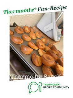 Recipe Yorkshire Pudding by Sarsweeney, learn to make this recipe easily in your kitchen machine and discover other Thermomix recipes in Baking - savoury. Yorkshire Pudding Recipes, Thermomix Bread, Full Fat Milk, 5 Recipe, Recipe Community, Food N, 4 Ingredients, Food Print, Beef