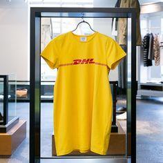 3万円超のヴェトモン新作DHLプリントTシャツが話題