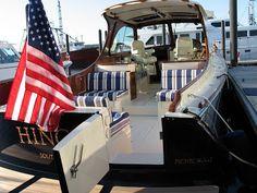 Power & Motoryacht Editors: Newport: Hinckley 37T Picnic Boat