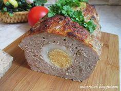 Pieczeń rzymska to ładne pawie oczka z jajka w mięsnej otoczce
