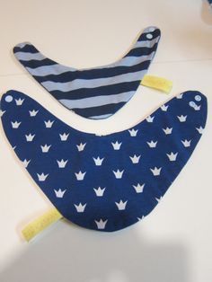 Reversible crowns  bib for babies and children by BeesontheBonnet