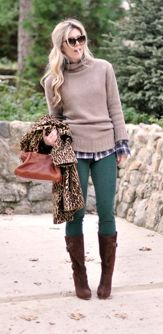 hate turtle necks but lovve this outfit