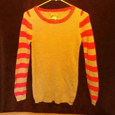 Gray and pink Mudd Sweater Ex Long sleeve Mudd sweater, super soft! Looks great with leggings, lighting is not showing true colors**OFFERS WELCOME** Mudd Sweaters