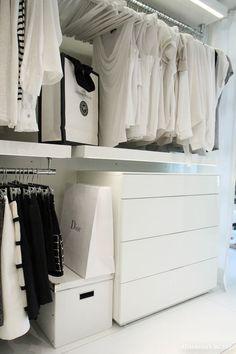 kleiderschrank pax mit vorhang anstatt t ren pax ikea curtain wardrobe schlafzimmer. Black Bedroom Furniture Sets. Home Design Ideas