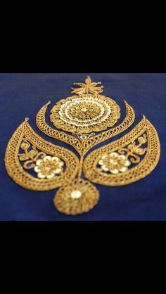 Hand Work Embroidery, Embroidery Motifs, Simple Embroidery, Embroidery Suits, Japanese Embroidery, Hand Embroidery Designs, Kurti Patterns, Elephant Figurines, Fashion Design Drawings