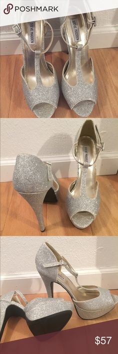 649a4f9dd5a Shop Women s Steve Madden Silver size 9 Platforms at a discounted price at  Poshmark. Super sparkly and with a platform for comfort.