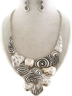 Chunky Western Silver Decorative Swirl Design Statement Necklace Earrings Set