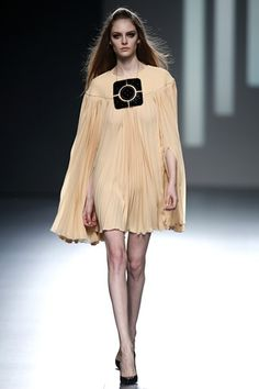 Teresa Helbig MBFWM AW-OI 2013/2014 18/02/2013 http://conlaede.wordpress.com/2013/02/22/dia-18-mercedes-benz-fashion-week-madrid-otono-invierno-20132014-desfiles-dia-1