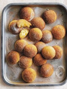 Baked cinnamon doughnut puffs by Donna Hay Slow Cooker Desserts, Delicious Desserts, Dessert Recipes, Yummy Food, Quick Dessert, Quick Easy Desserts, Baked Donuts, Doughnuts, Donut Recipes