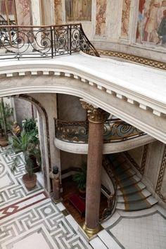 Musée Jacquemart-André. Escalier vue plongeante
