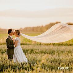 Golden hour lovebirds…   #luxvisualstorytellers #goldenhourweddings #wijgaantrouwen