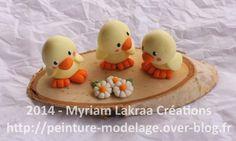 PAQUES - 3 poussins - Pâte polymère Fimo (polymer clay) sur tranche de bouleau - 2014 - Myriam Lakraa Créations