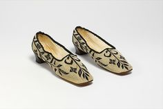 (c. 1854-1860) American shoes made of silk, wool, leather and linen.