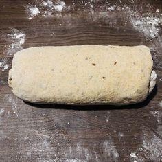 Pâine integrală cu semințe, rețetă simplă și rapidă – Chef Nicolaie Tomescu Supe, Bread, Food, Projects, Brot, Essen, Baking, Meals, Breads